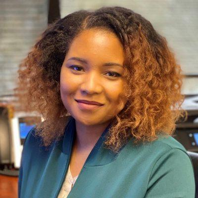 Terrainna Smith, Senior Accountant